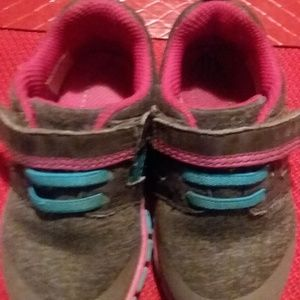 Clarissa Shoes - Kids Clarissa Sneakers size 6